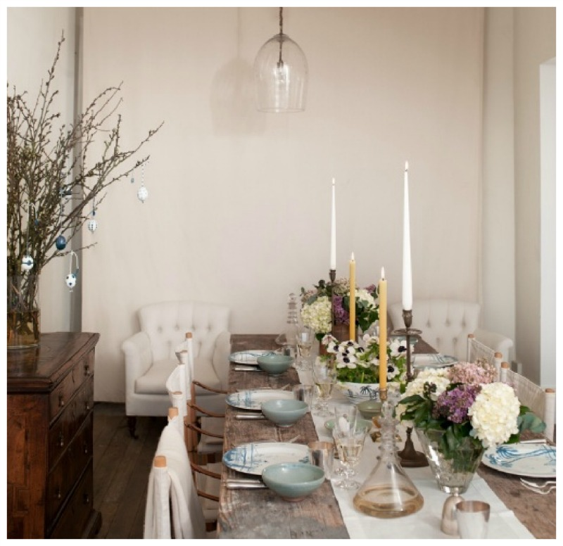 Nomad Luxuries an easter tablescape with hints of baby blue for inspiration for the spring.