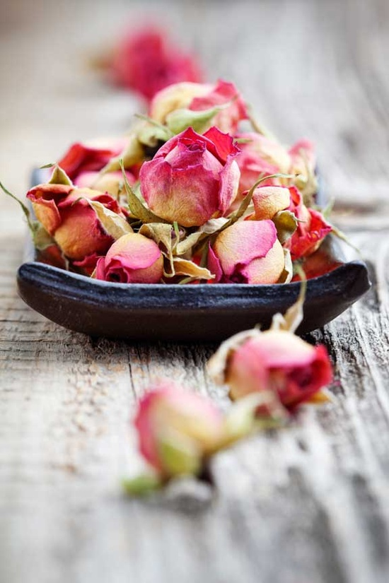 Nomad Luxuries inspiration for aromatherapy with a close up photo of dried up roses.