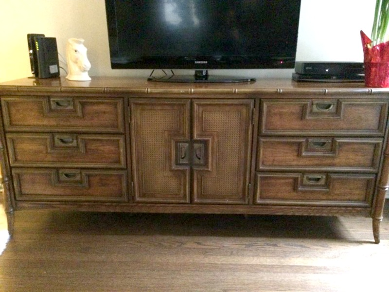 front credenza 800