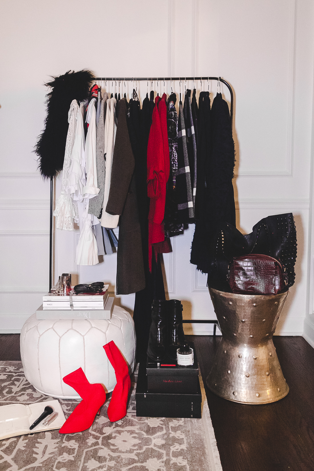 NoMad Luxuries and Yana Frigelis shares what to pack for Paris in the Fall
