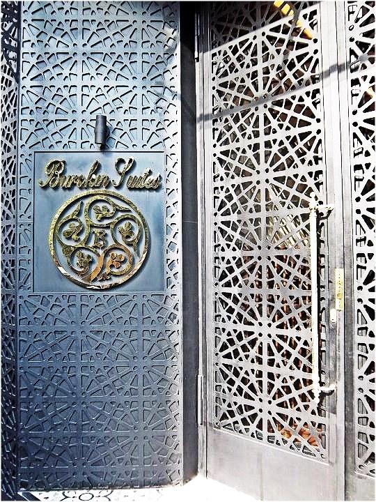 Nomad luxuries image of ornate doorway to Istanbul hotel