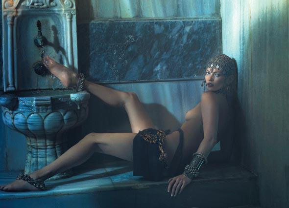 Nomad Luxuries featured modeling image of Kate Moss.