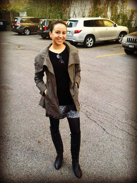 Nomad Luxuries photo of Yana's outfit of the day with a military green jacket and leopard print.